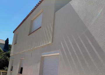 Surélévation façade enduit minéral blanc