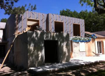 Surélévation toit plat à Meyreuil de 100 m2