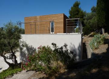 Le toit terrasse est accessible par l'extérieur
