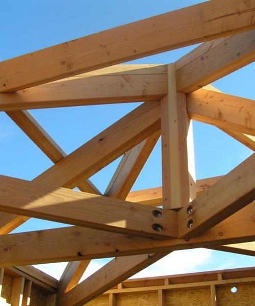Rénovation / Création de charpentes bois et toitures