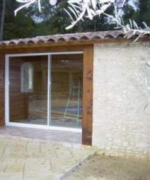 Façade en pierre pour un pool-house Aubagne, 13