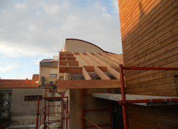 Echelle de toit à débord