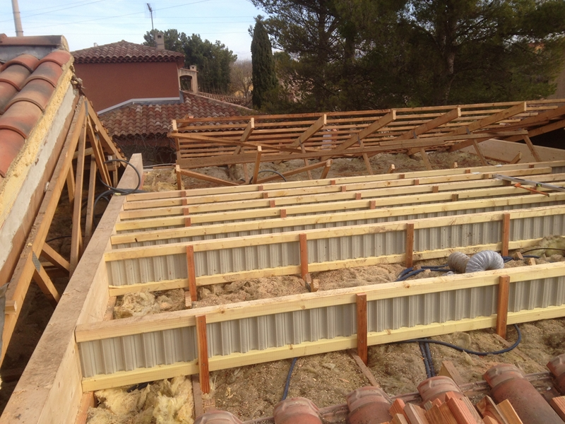 Extension d 39 un tage 55 m2 gardanne 13 for Etage en bois