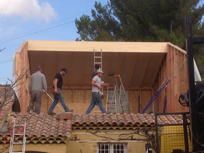 Extension d 39 un tage 55 m2 gardanne 13 for Extension maison bois etage