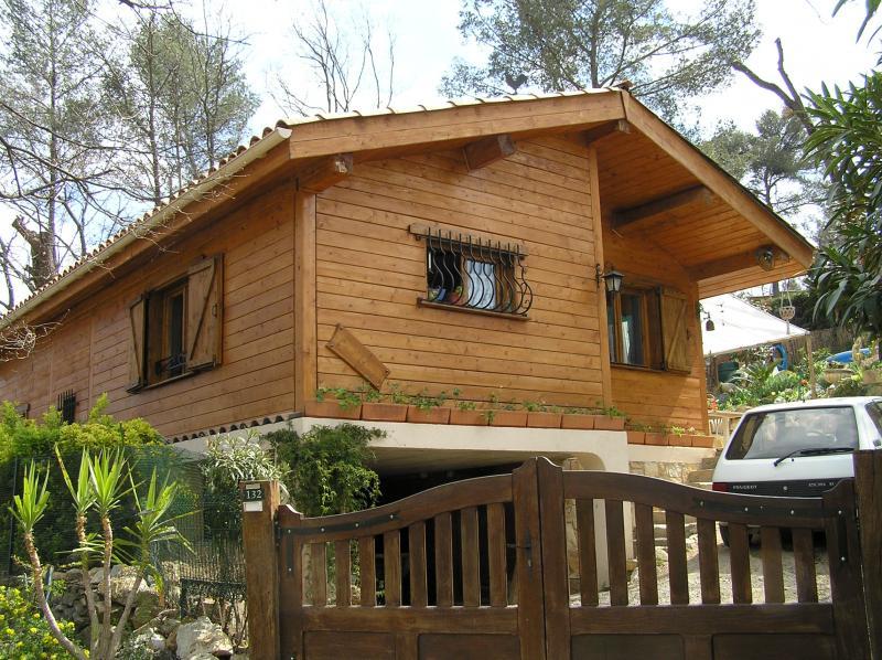 isoler et moderniser gr ce au bardage bois actualit s marseille 13. Black Bedroom Furniture Sets. Home Design Ideas
