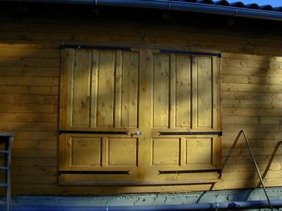 menuiseries bois et huisseries menuiserie marseille 13. Black Bedroom Furniture Sets. Home Design Ideas