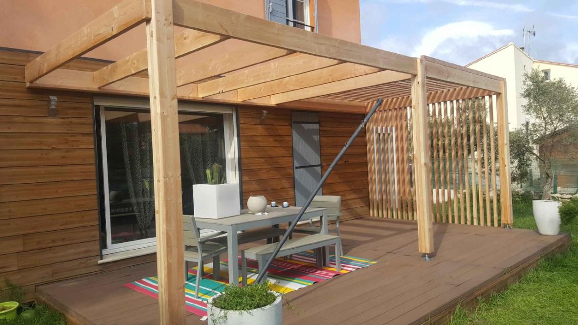 se prot ger du soleil gr ce la pergola actualit s marseille 13. Black Bedroom Furniture Sets. Home Design Ideas